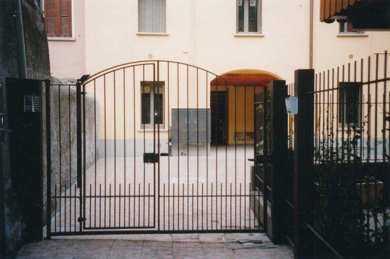 palazzina residenziale canzo ingresso